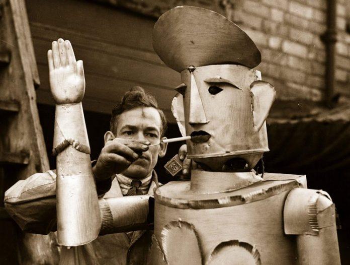 robot koji pusi cigare