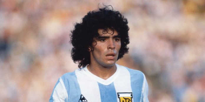 Maradona tuzi PES i Konami