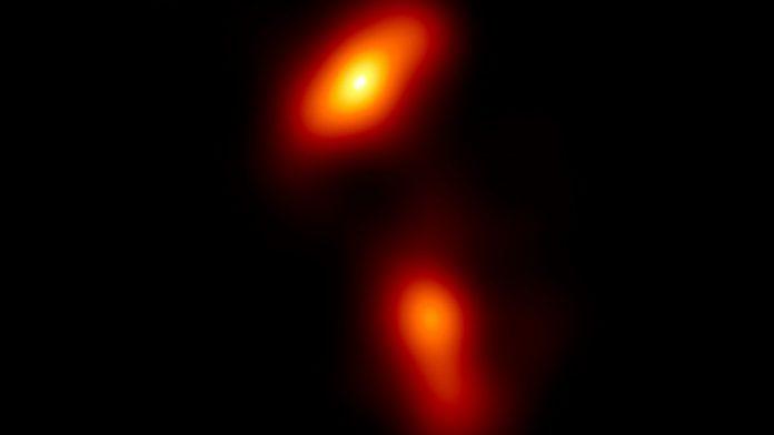 Snimljeno izbacivanje materije iz crne rupe